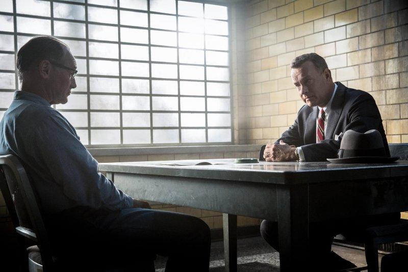 電影《間諜橋》的主角律師唐納文是真實存在的人物,但在歷史中,他真的是主角嗎?(圖/Bridge Of Spies@facebook)