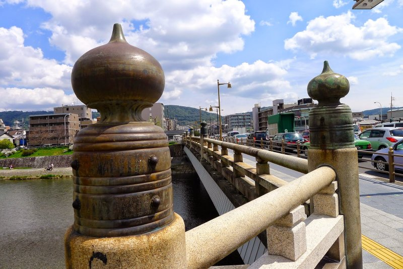 五条大橋的欄杆很有京味