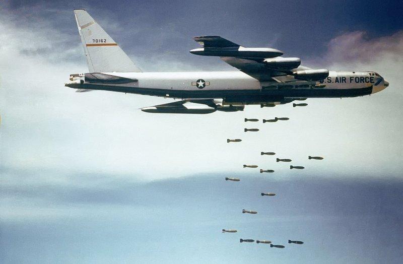 B-52同溫層堡壘轟炸機(維基百科)
