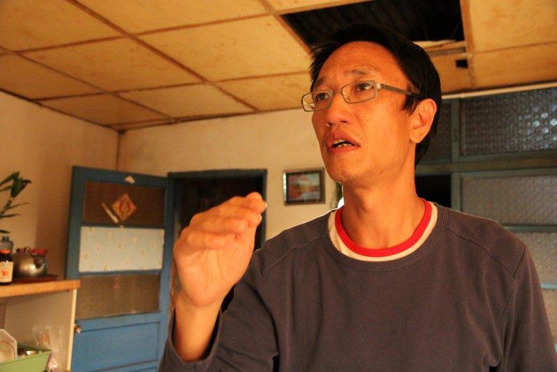 導演安哲毅的一句話「欸同學你要不要來演戲」,讓張再興踏上演員之路。(取自We Love Jeyimei臉書)