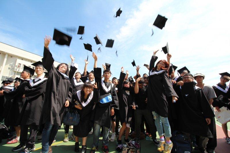 台灣許多大學生畢業後選擇進入研究所攻讀碩士(資料照片,取自國立聯合大學網頁).JPG