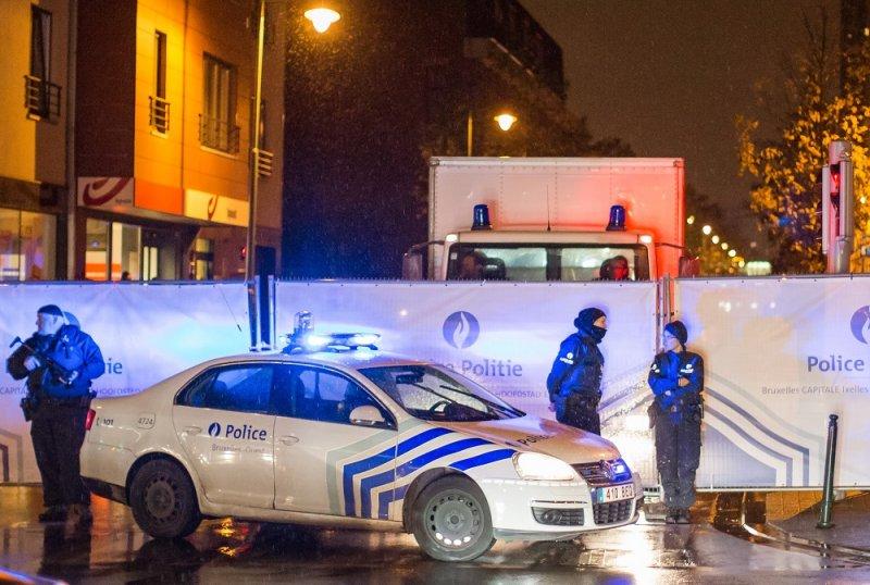 比利時警方於布魯塞爾街上(美聯社)