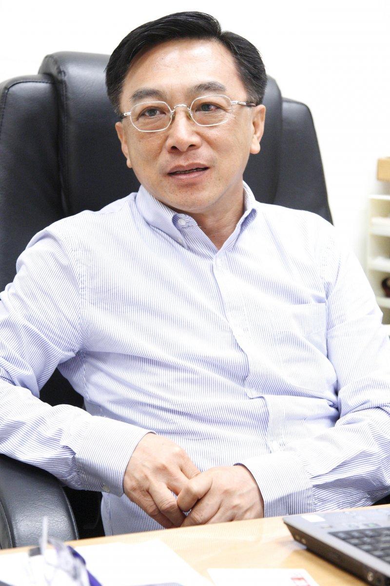 高雄醫學大學副校長陳宜民是流行病學、愛滋病防治、登革熱、肝癌等專家,身兼高醫大傳染病與癌症研究中心主任。(取自陽明大學陽明大學微生物及免疫學研究所網頁)