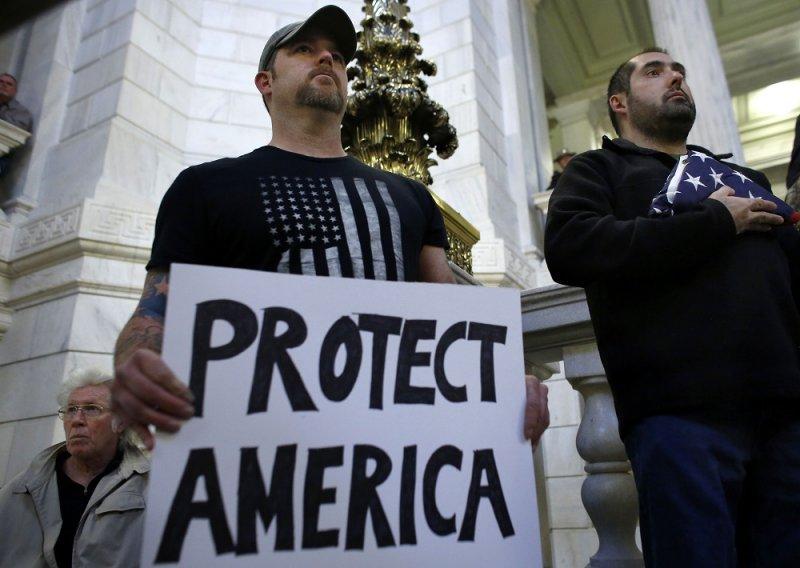 於美國羅德島反難民入境的示威活動(美聯社)