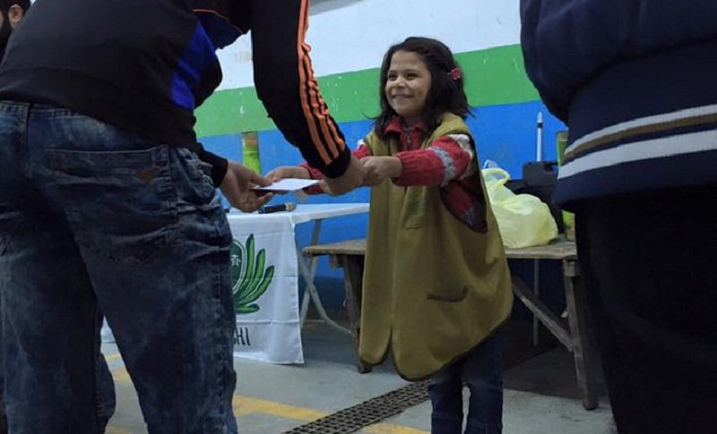 Susu,七歲,是慈濟在伊斯坦堡的難民學校中最小的孩子。(來源;文茜世界周報)