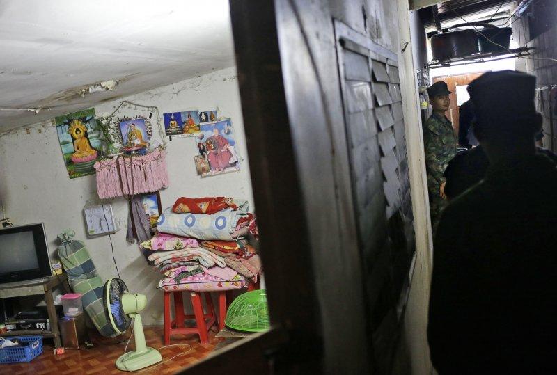剝蝦工人居住的宿舍環境簡陋。(美聯社)