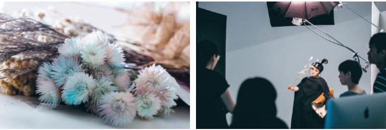 (左)花、葉、樹皮,運用許多不同質地的花材,呈現不同造型氛圍。 (右)工作進行中,拿著花束,露出精靈一般的神情。