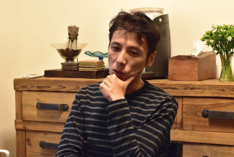 黃世鳴苦思三年,寫下動人的劇本(涂亞庭攝影)