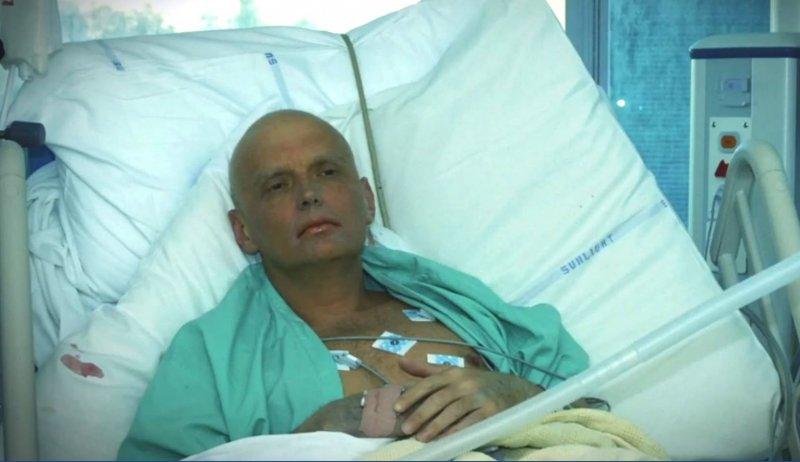 病榻上的利特維年科(Alexander Litvinenko)(取自YouTube)
