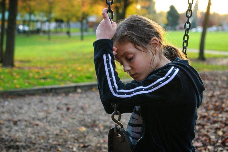 社交焦慮症自知心裡過度害怕。(圖/Loren Kerns@flickr)