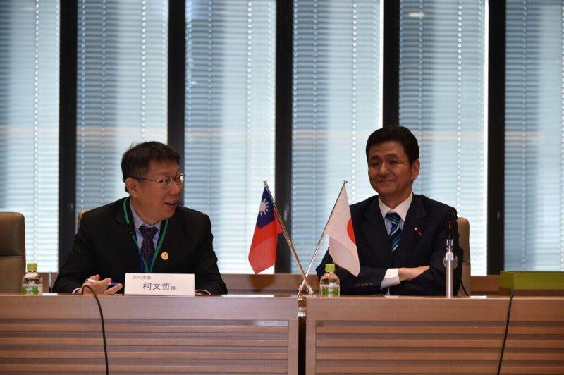 FSSD台北市長柯文哲訪日考察, 27日在日本眾議院拜會日本台灣經濟文化交流促進青年議員會會長、眾議員岸信夫。(台北市政府提供).JPG