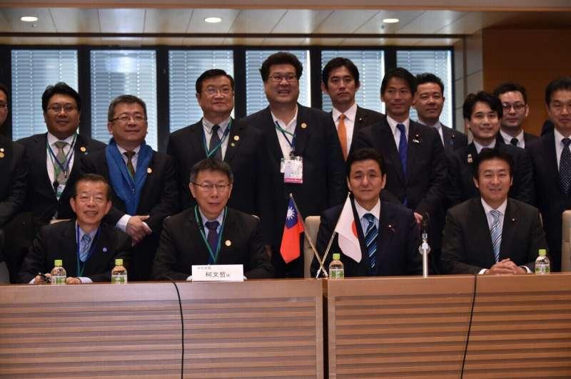 FS台北市長柯文哲訪日考察, 27日在日本眾議院拜會日本台灣經濟文化交流促進青年議員會會長、眾議員岸信夫。(台北市政府提供).JPG
