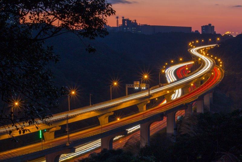 全台最貴的道路!和全球唯一獲獎的工程!五股楊梅高架橋,簡稱五楊高架。(圖/轉載自kkday)