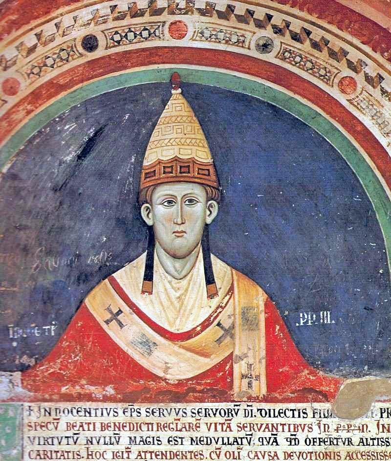 諾森三世(1198年–1216年)在義大利蘇比亞科迴廊壁畫中早期三重冕。(取自維基百科)