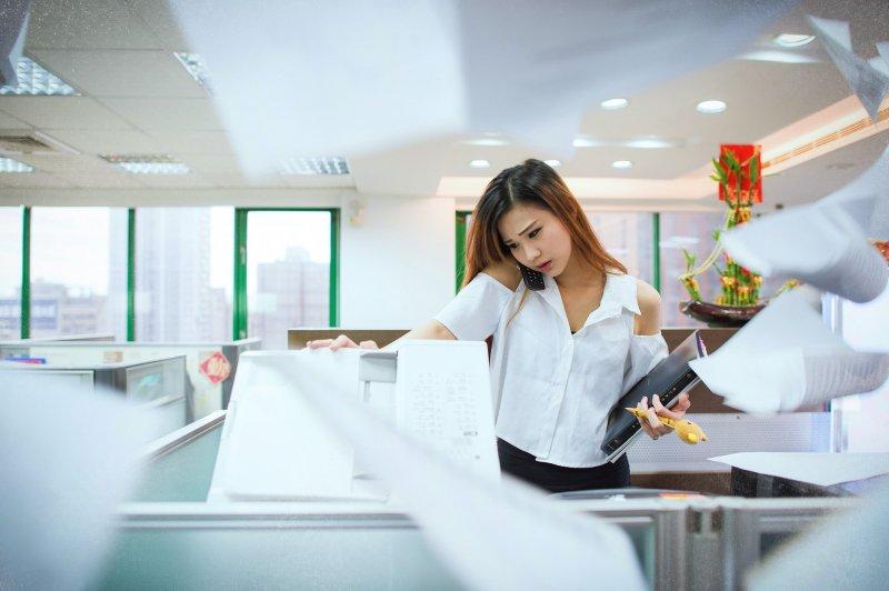 日本職場女性升遷難,即便學歷漂亮也會被指派影印等雜務。(圖/Pixabay)