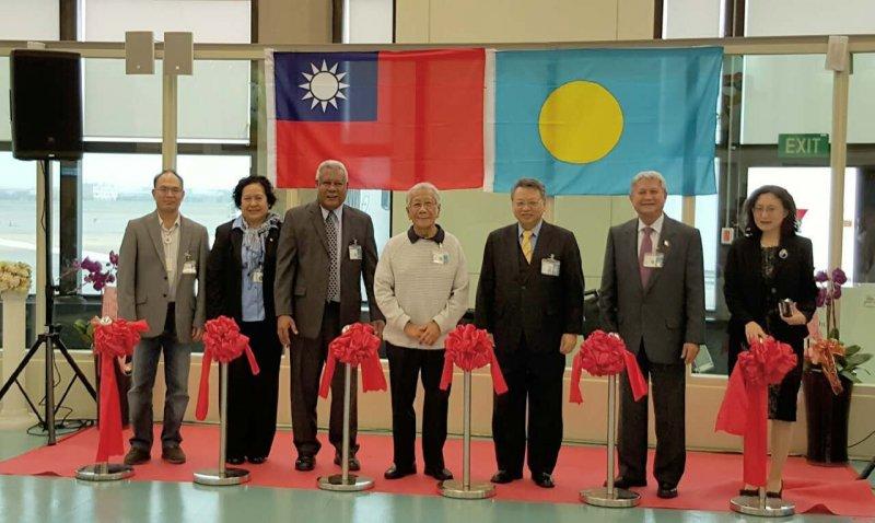 台北 / 帛琉直飛正式啟航,帛琉當地官員均參與首航典禮。圖/帕勞百悅旅行社提供