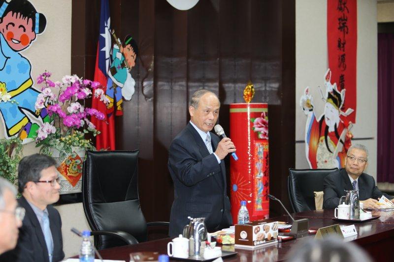20160204-財政部新春記者會.部長張盛和.左為政次吳當傑、右是常次許虞哲(陳明仁攝)