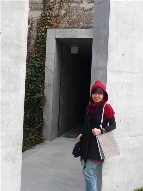 直島地中美術館入口.jpg楊曼芬提供