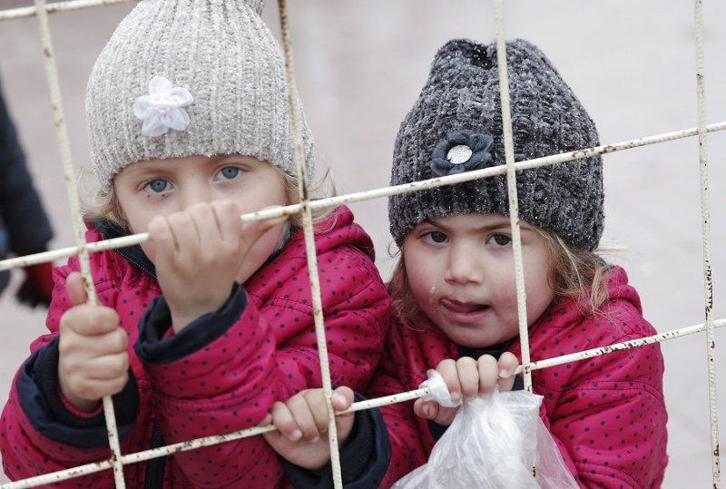 在土敘邊界處的敘利亞孩童(美聯社)