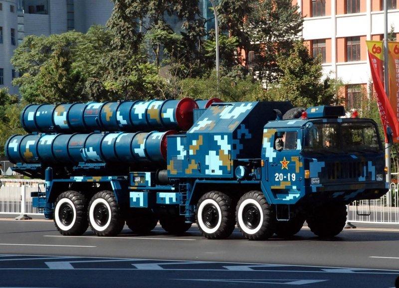 紅旗-9防空飛彈發射車。