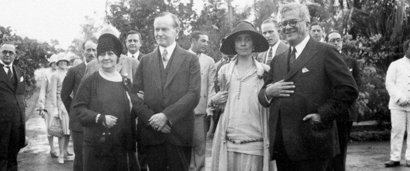 1928年造訪古巴的美國總統柯立芝(左二)與夫人葛瑞絲(White House)