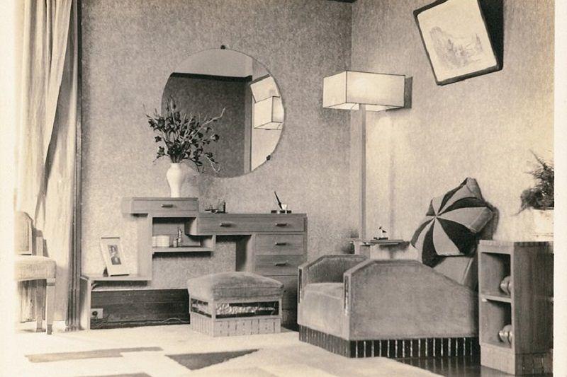 張愛玲家客廳,一種現代的新鮮明亮幾乎是帶刺激性。(作者提供)