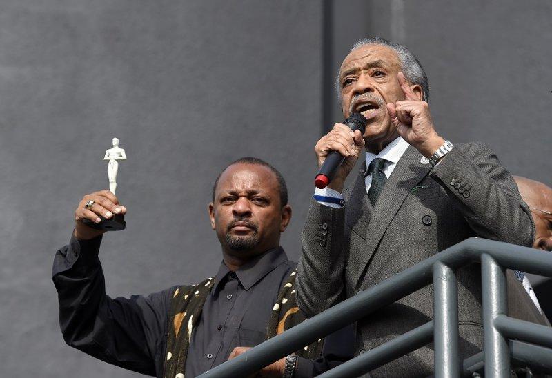 黑人民權領袖夏普頓對民眾發表演說(美聯社)