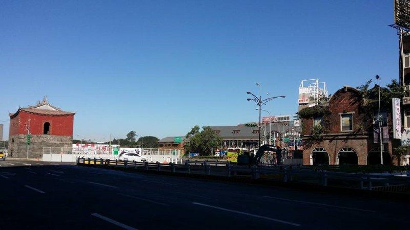 忠孝橋引道拆除讓北門風華再現,也讓大家看見台北城連結於島嶼的政治、經濟、文化、社會與空間關係。(林芬郁攝)
