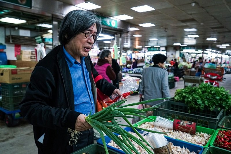 為重現「宣一宴」,詹宏志「馳走」於市場。(攝影:高琹雯/新經典提供)