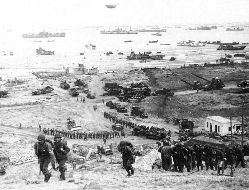 1944年6月6月,近300萬盟軍士兵橫渡英吉利海峽後在法國諾曼第地區登陸,成為迄今人類歷史上規模最大的一次海上登陸作戰。(取自維基百科)