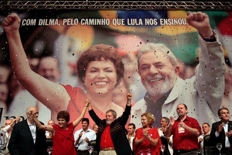 巴西前總統魯拉(中)及現任總統羅賽芙(美聯社)