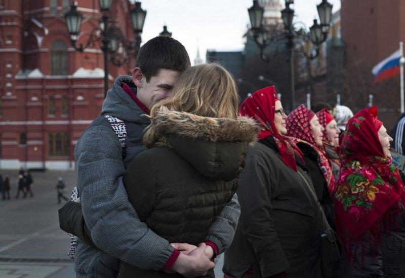 莫斯科一對情侶(美聯社)