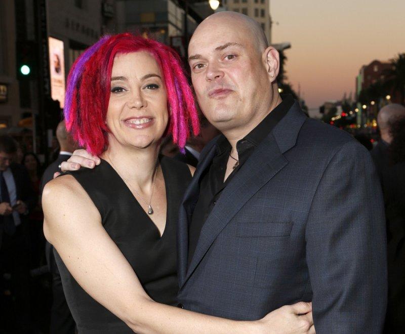 拉娜華卓斯基(左)與莉莉華卓斯基(右)於2012年合影(美聯社)