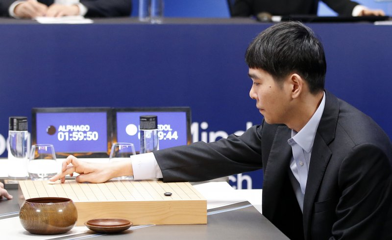李世乭對戰AlphaGo。(美聯社)