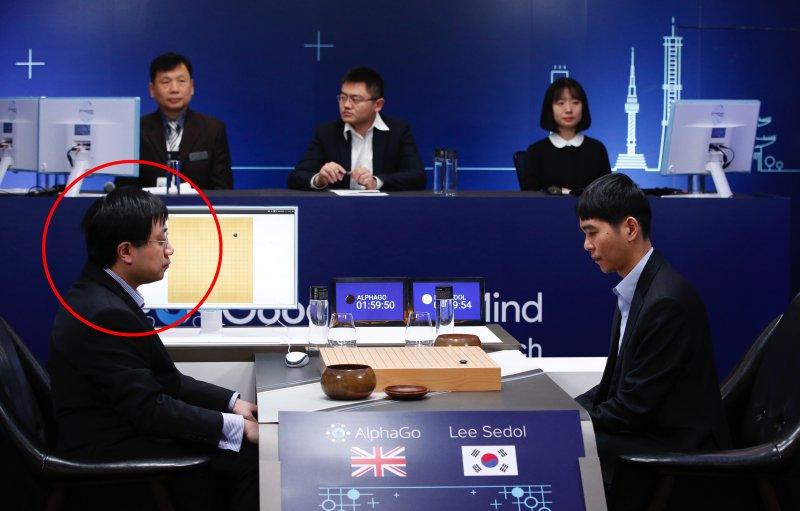 這兩天代表AlphaGo跟李世乭對弈者,就是來自台灣的黃士傑。(美聯社)