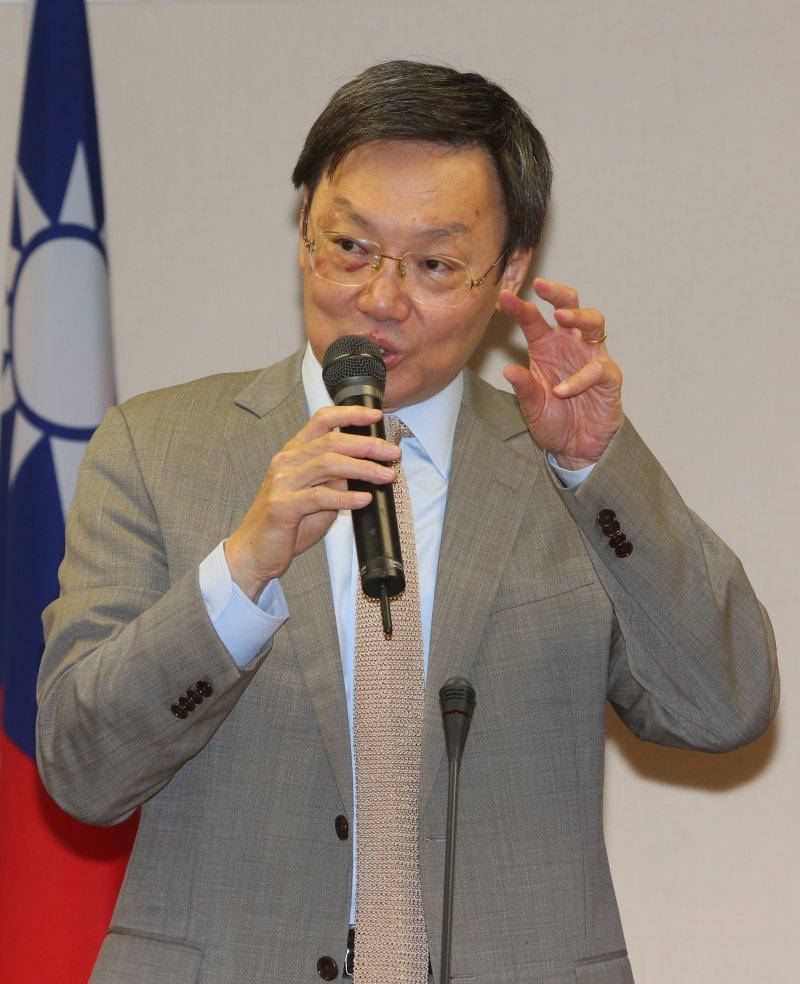 「經濟政策菁英高階研習班」邀請張忠謀演講,蘇起(余志偉攝)