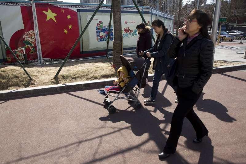 中國一胎化政策鬆綁,反造成更多社會問題。(美聯社)