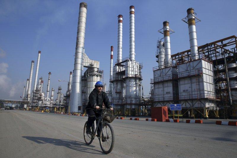 石油,原油,伊朗煉油廠(美聯社)
