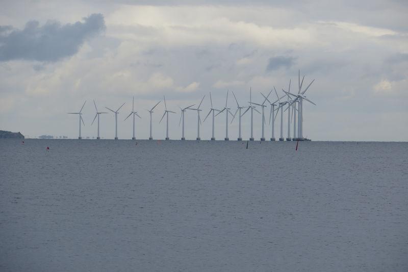 離岸風力發電。風電,風機,再生能源。(取自網路)(無著作權,開放公眾使用)