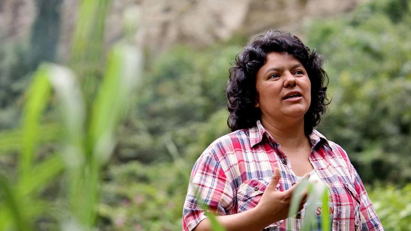 卡瑟雷斯於2015年獲得「高曼環境獎」(美聯社)