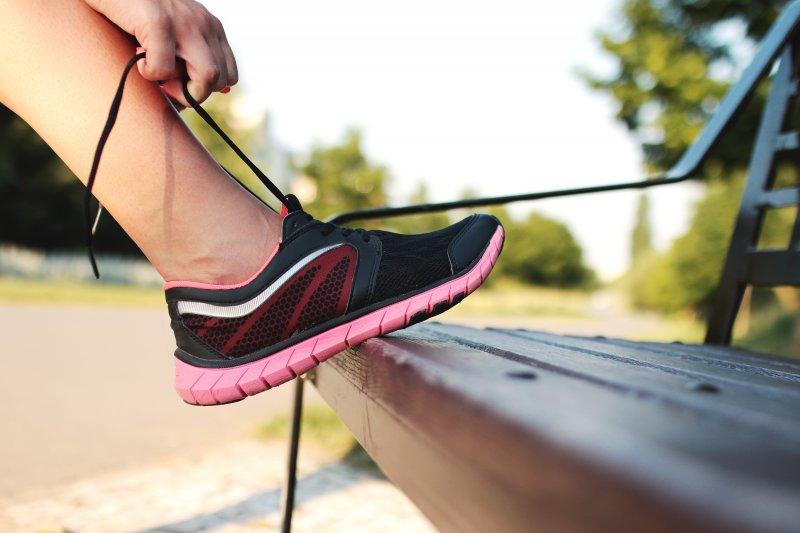 慢跑入門容易,只需要準備一雙舒適的跑鞋即可開始。