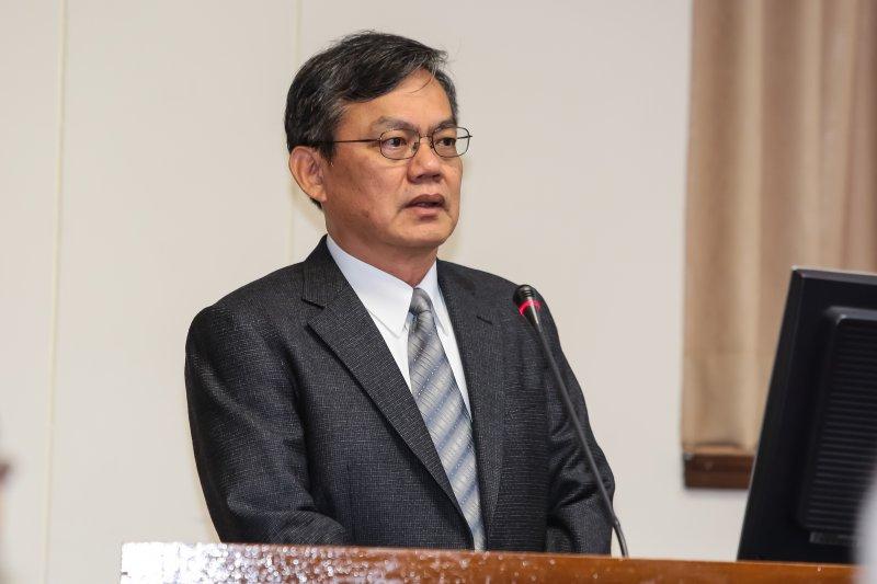 台電副總經理黃鴻麟於經濟委員會備詢。(顏麟宇攝)