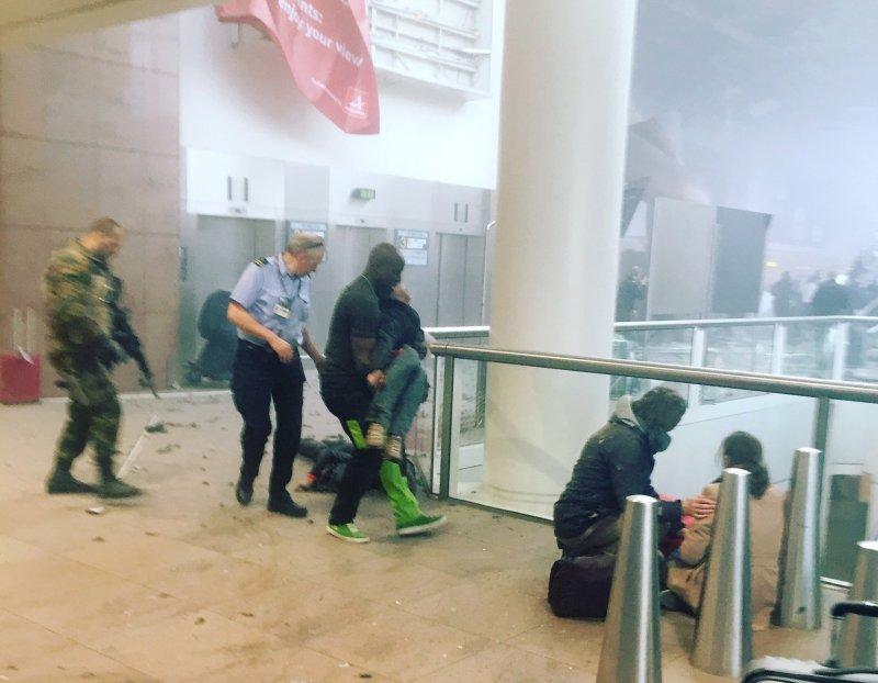 卡達瓦在爆炸現場拍下的照片(美聯社)