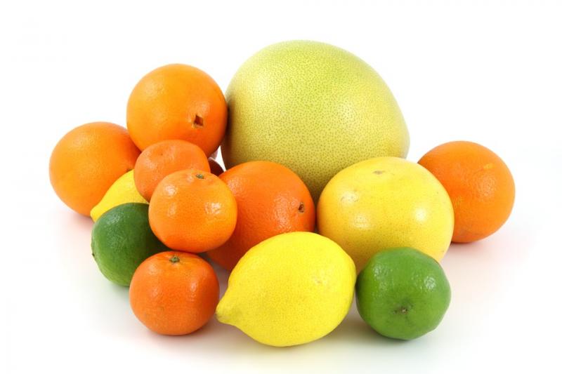 柑橘類精油有光敏感性,接觸到紫外線會對皮膚造成刺激。(圖/pixabay)