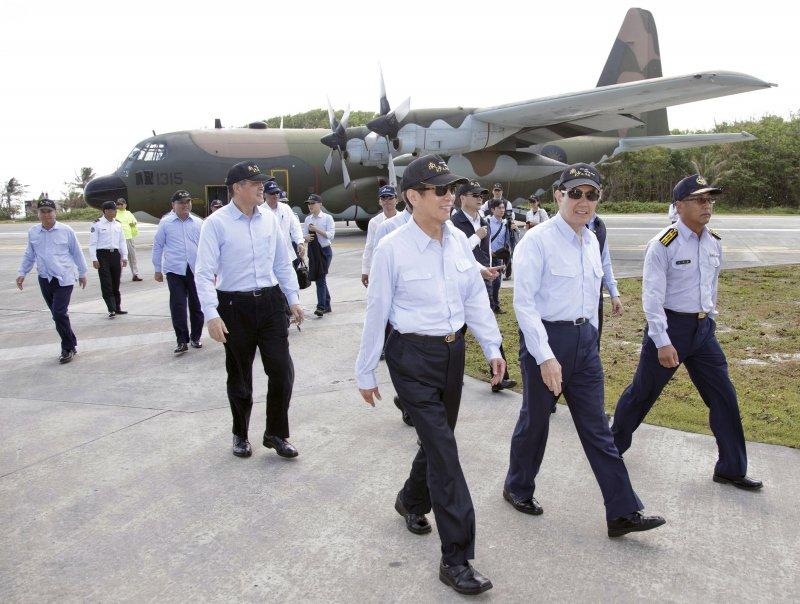 馬英九總統登上太平島(總統府)