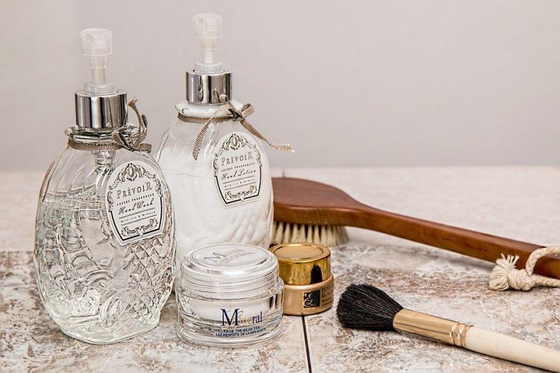 徹底清潔後的保濕,是戰痘的最佳利器。(圖/stevepb@Pixabay)