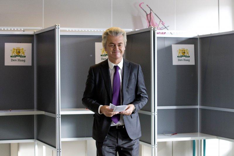 荷蘭疑歐派政黨「自由黨」(PVV)領袖威爾德斯(Geert Wilders)前往投票(美聯社)