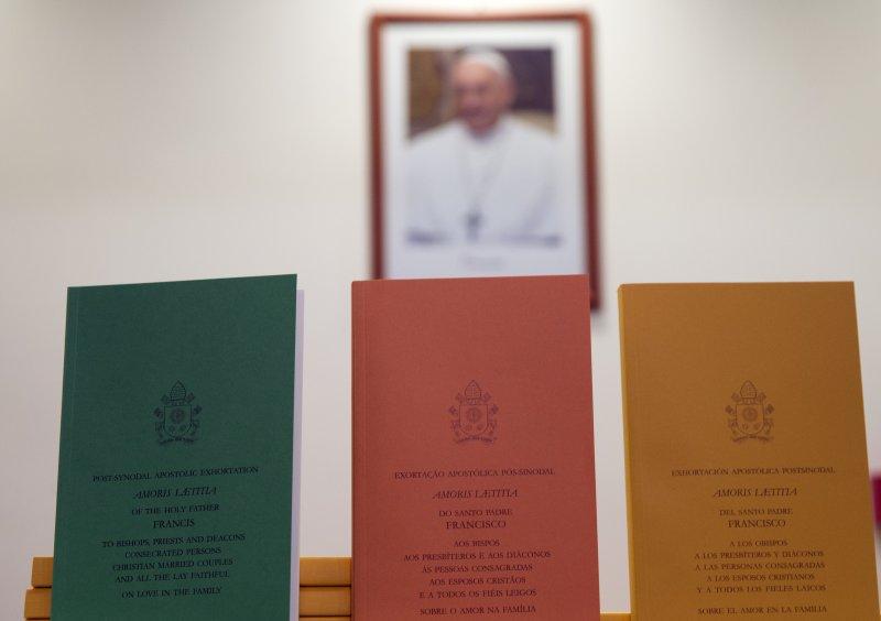 教宗方濟各8日針對婚姻、家庭發布重要文件《愛的喜樂》(Amoris Laetitia)(美聯社)