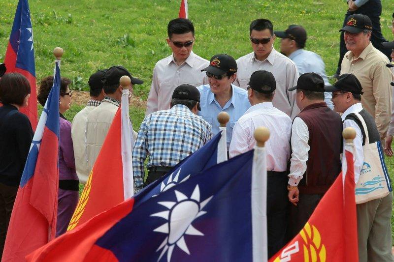 總統馬英九9日搭空軍S-70C直昇機飛往彭佳嶼。(顏麟宇攝)