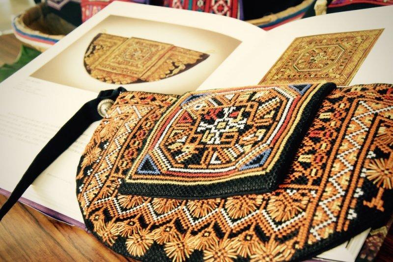 大武壠族傳統類十字繡檳榔袋